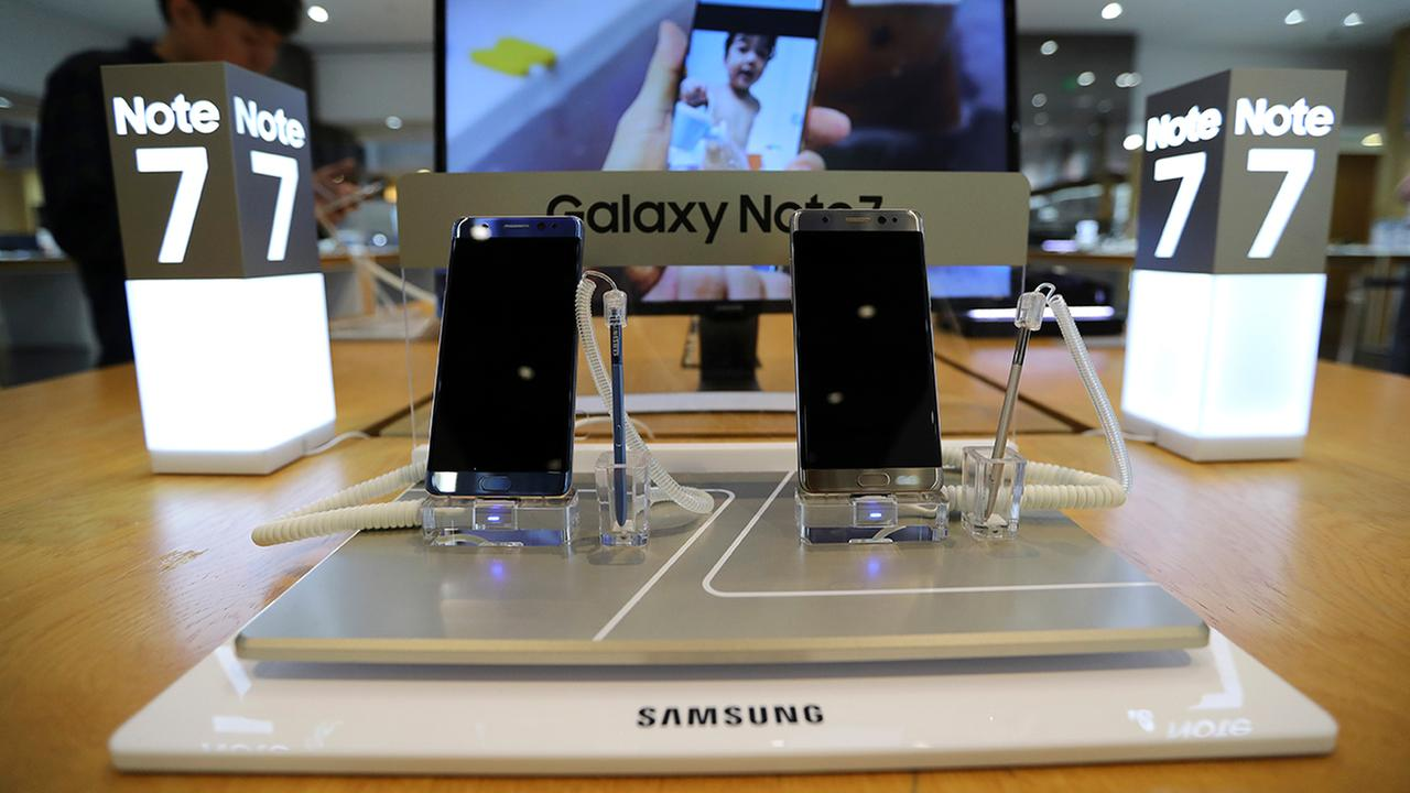 Samsung halts sales of Galaxy Note 7 after new troubles