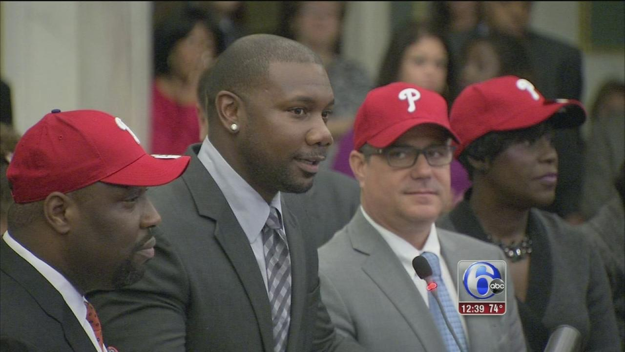 VIDEO: Ryan Howard honored