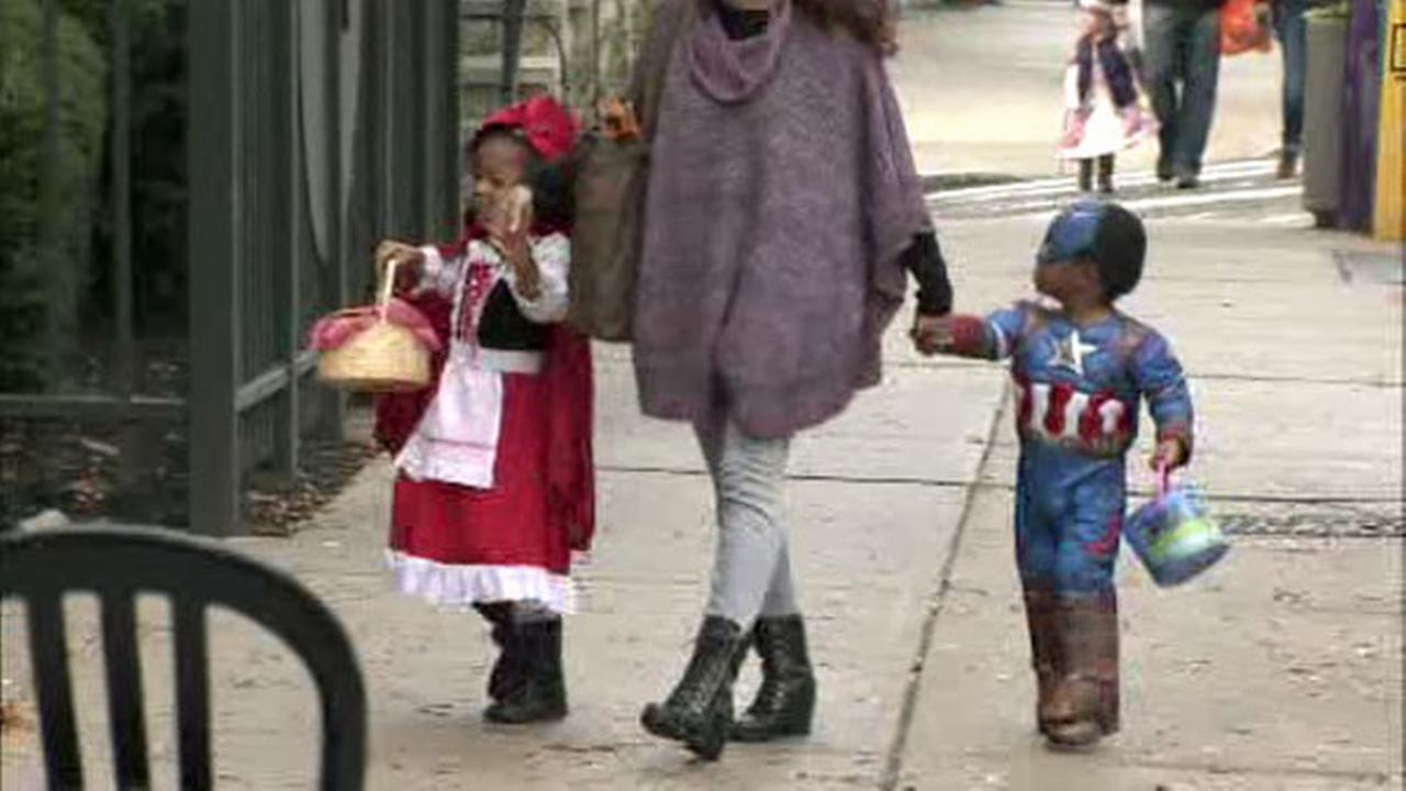 What's the Deal: Saving money on Halloween costumes