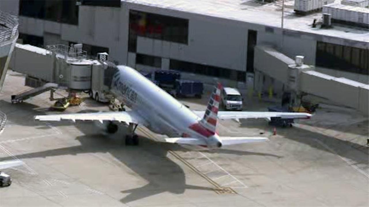 Report of banned Samsung phone delayed flight at Philadelphia Int'l Airport