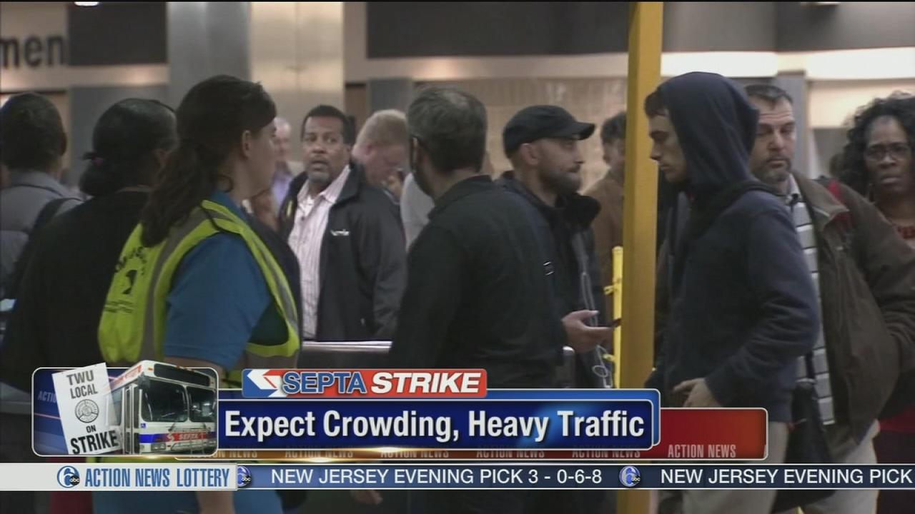 VIDEO: Commuters face lines, gridlock