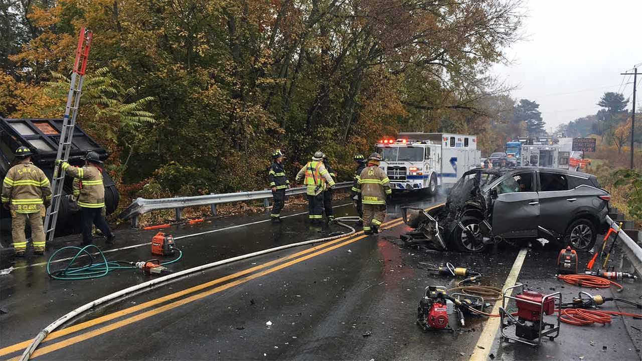 1 dead after SUV, dump truck collide in Hockessin