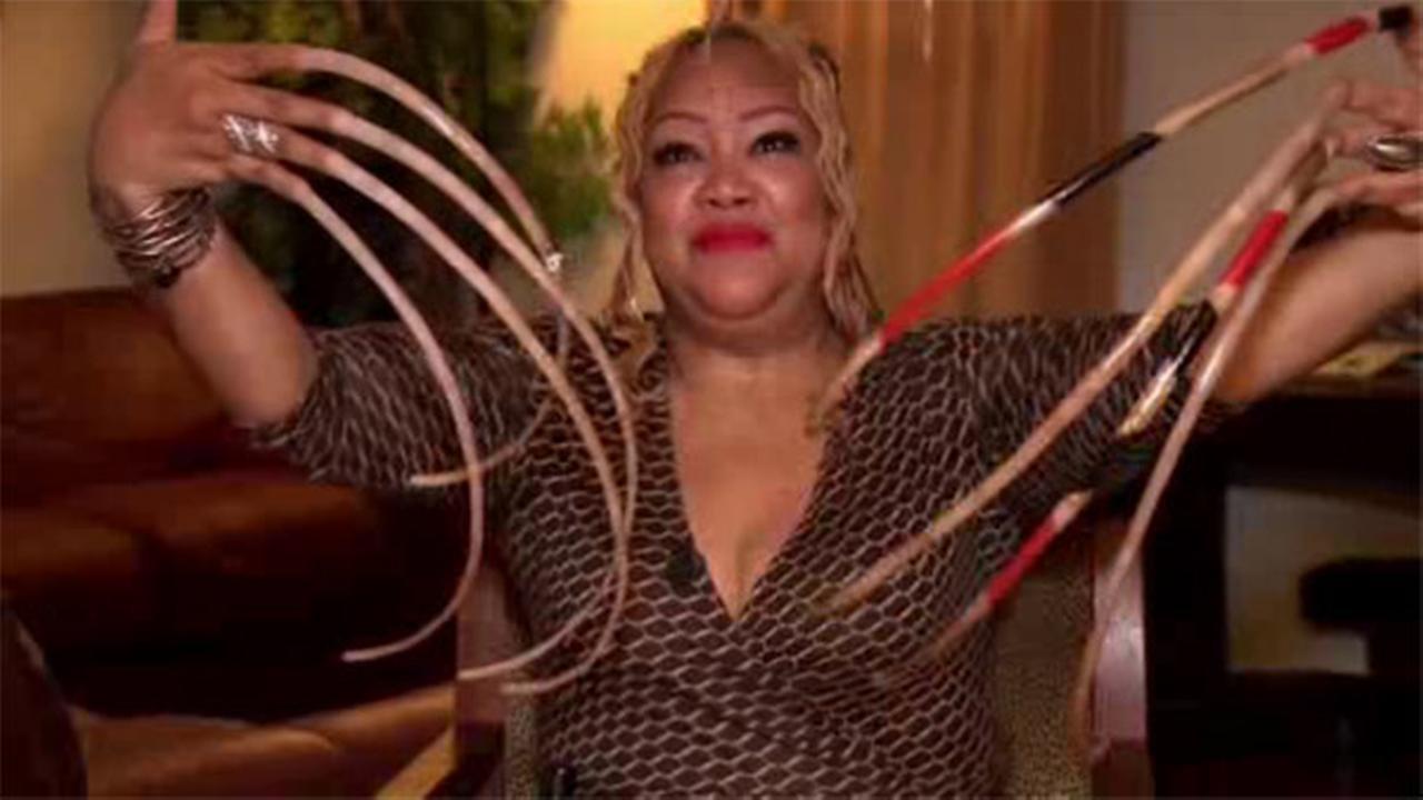 Texas woman\'s long nails nearing world record | 6abc.com