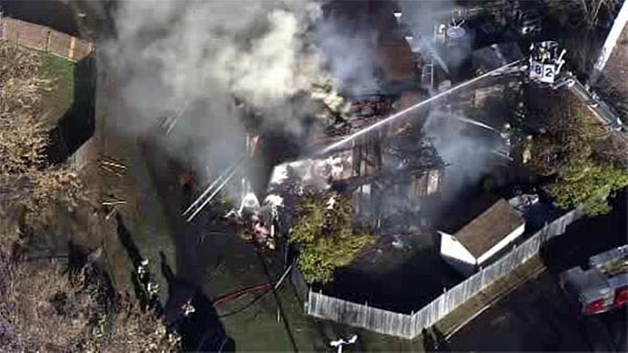 Fire damages town house in Gloucester Twp., N.J.