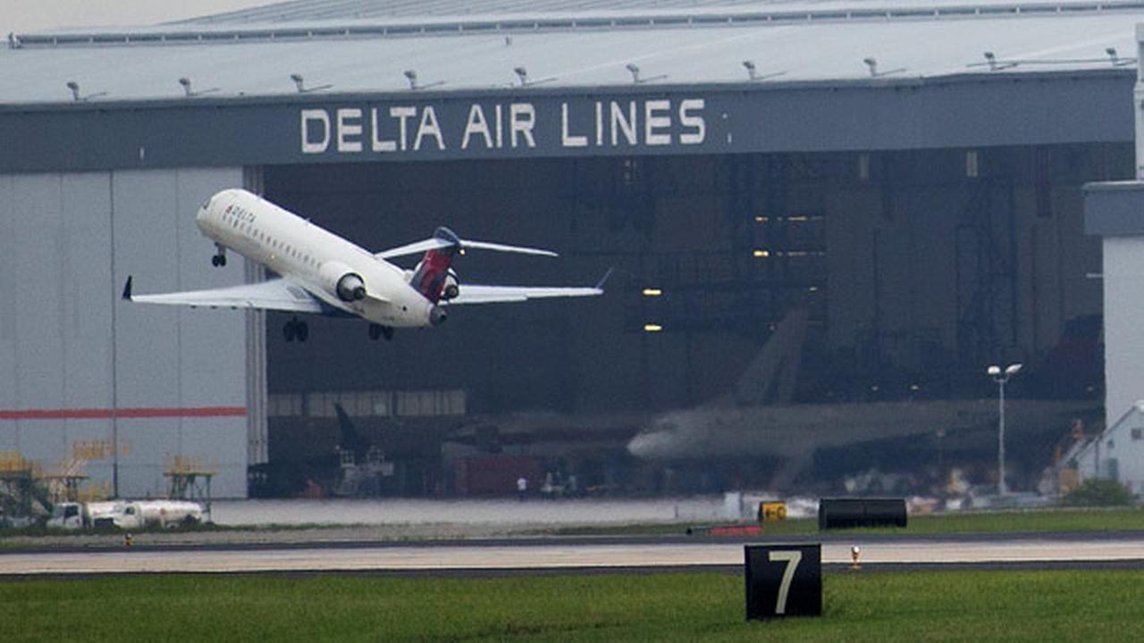 A Delta Air Lines plane takes off at Atlantas Hartsfield International Airport in Atlanta, Monday, Aug. 8, 2016.