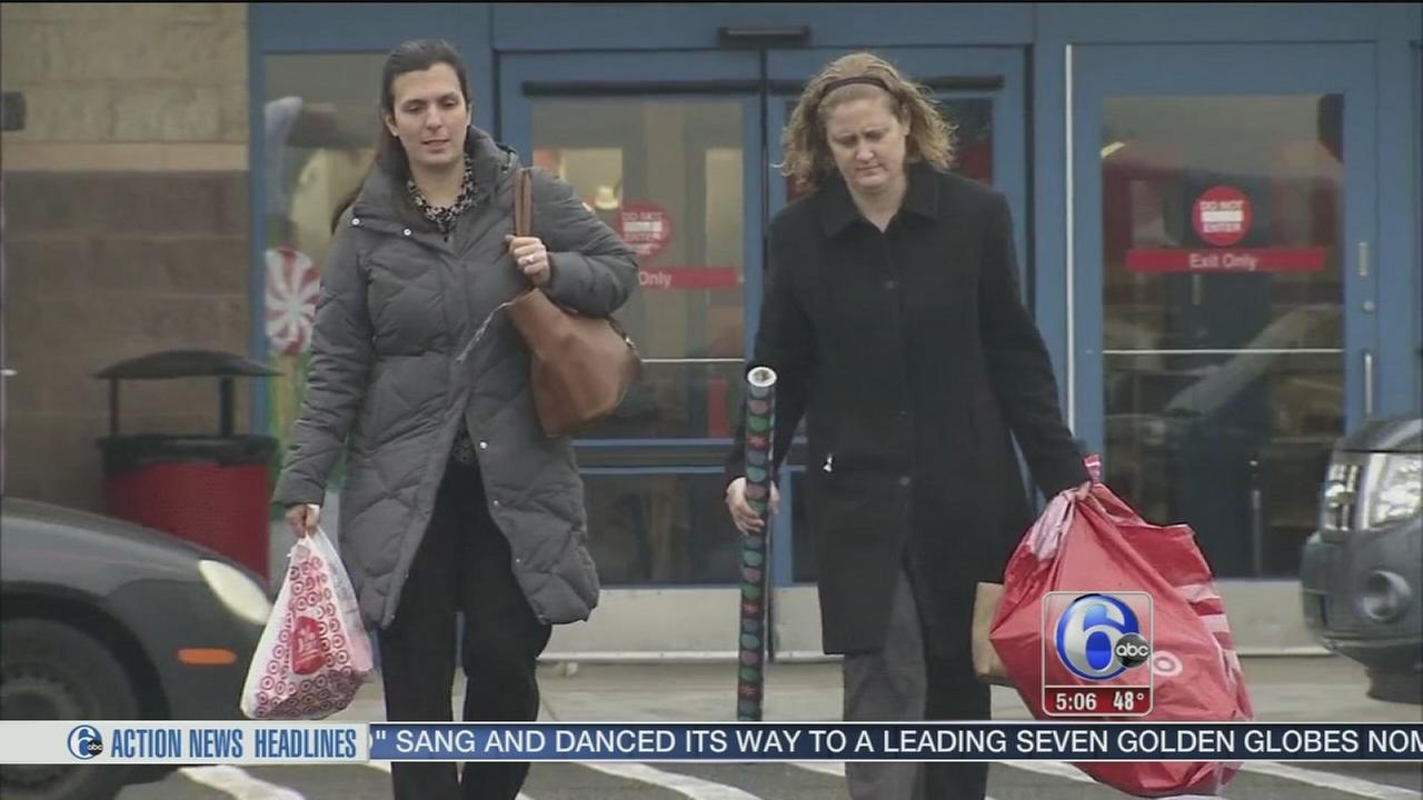 VIDEO: Shoppers cashing in on Green Monday deals