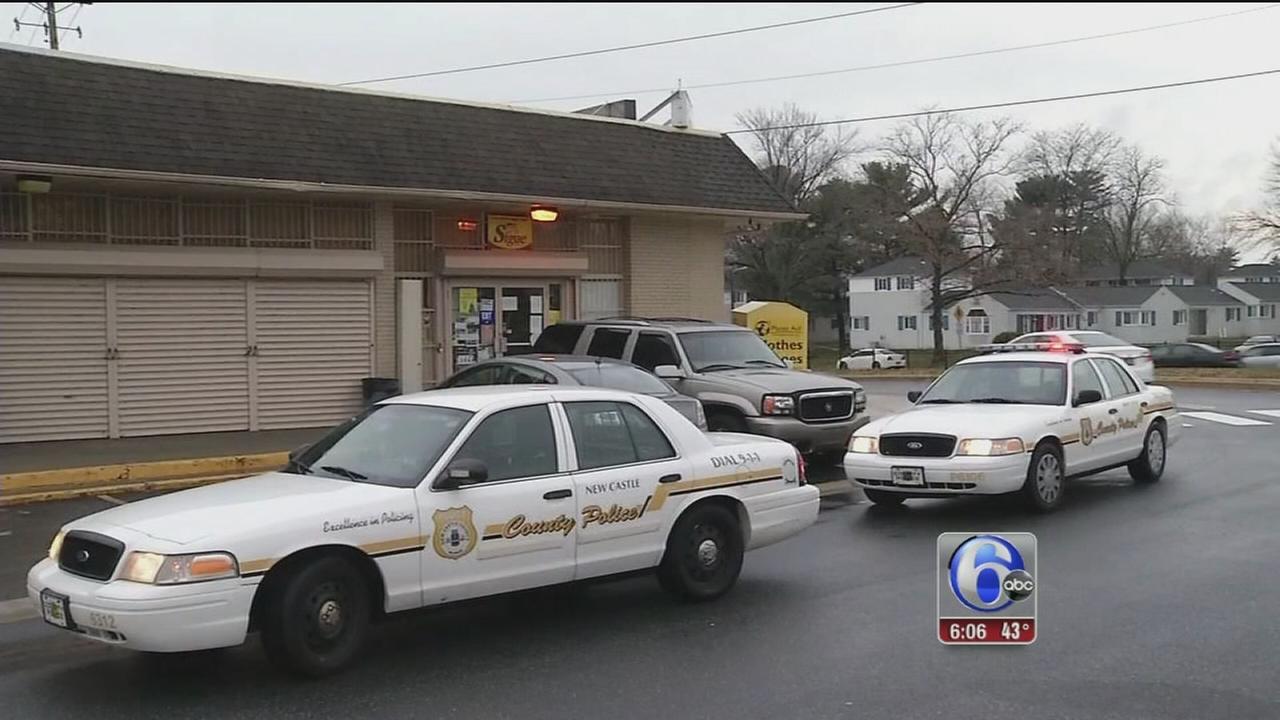 Gunmen sought in Del. grocery store