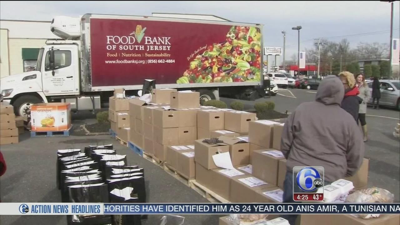 Donating holiday meals