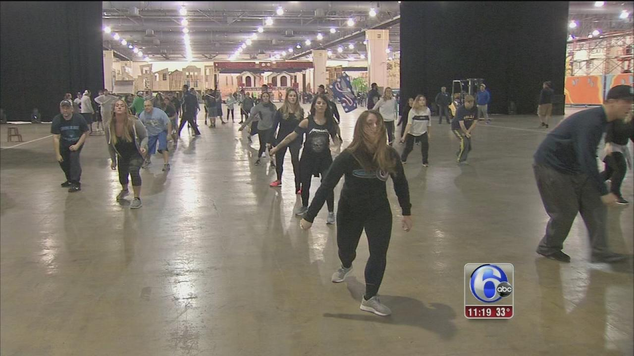 VIDEO: Mummers prepare for annual New Years strut
