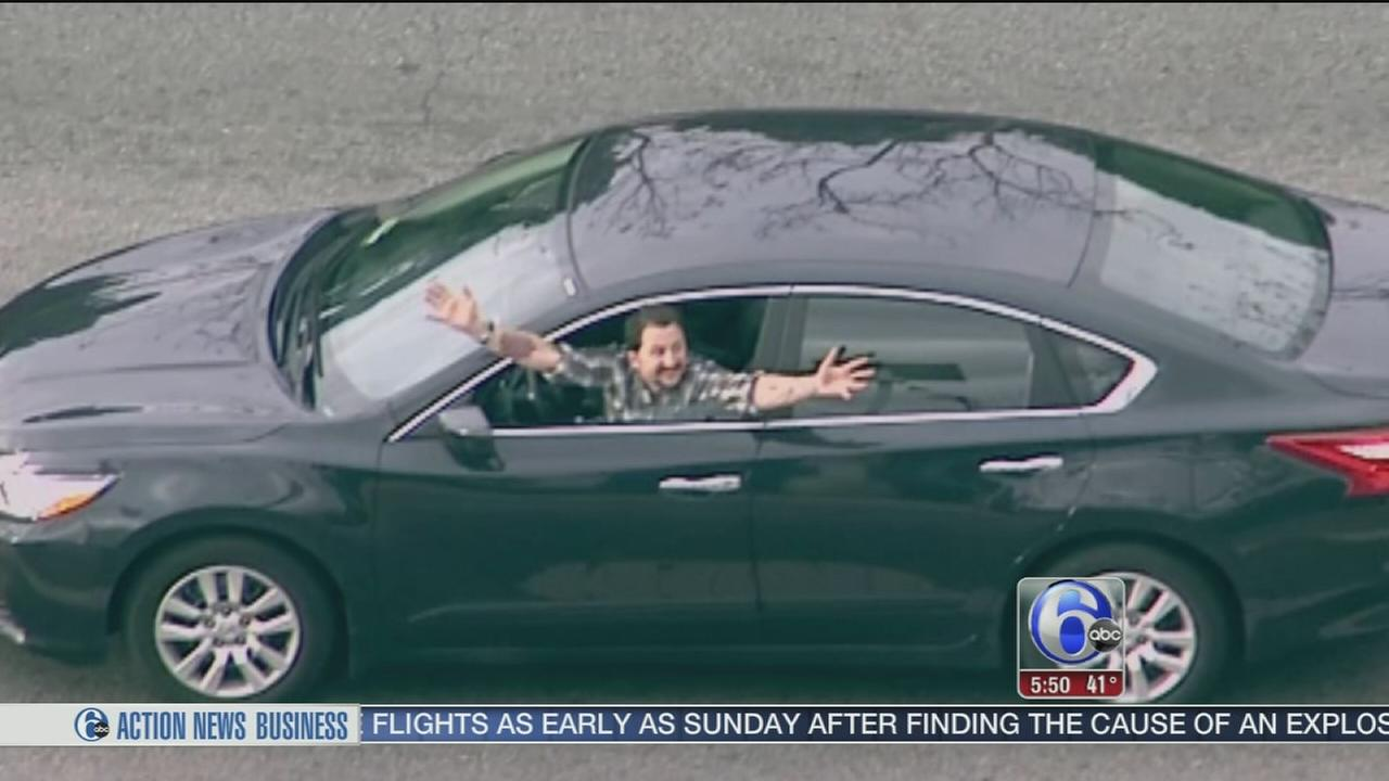 Man stops and waves during Los Angeles police chase