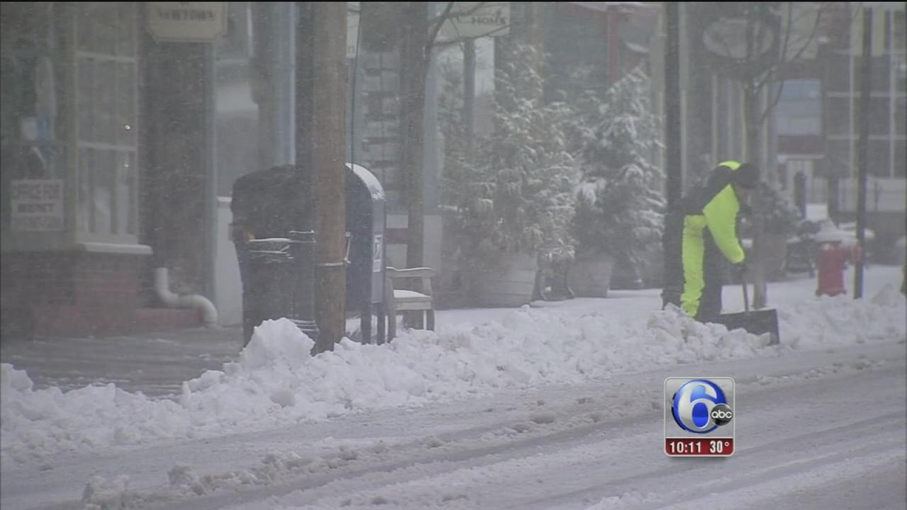 VIDEO: Snow and wind made difficult traveling in Newtown