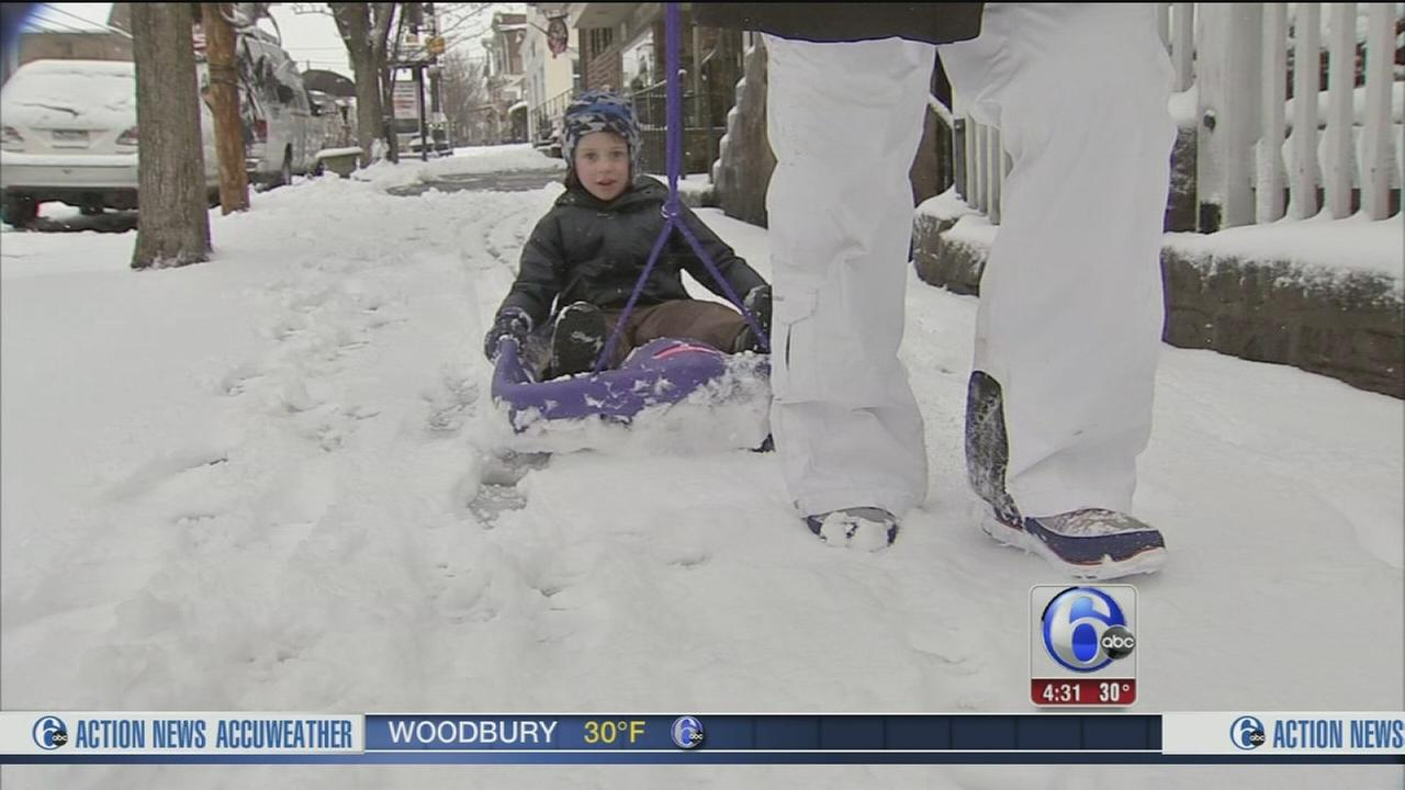 Snowstorm makes for slippery morning in Bucks Co.