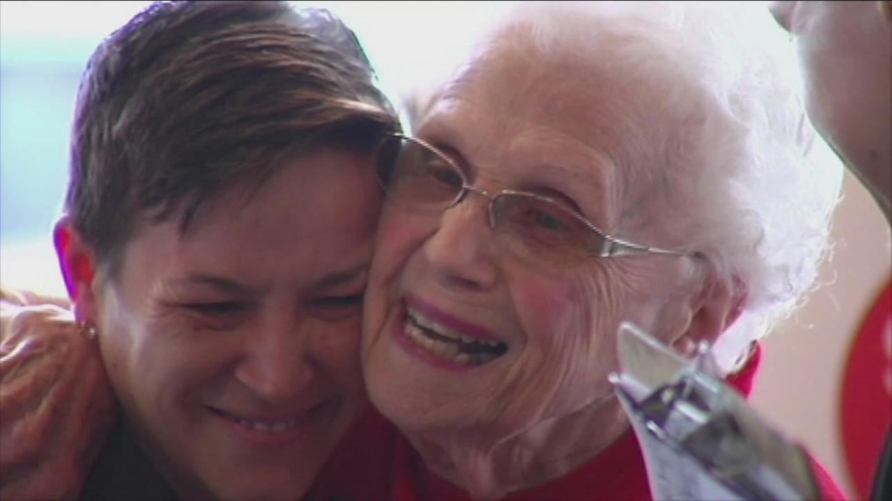 VIDEO: Woman, 94, serving smiles for 44 years at McDonalds