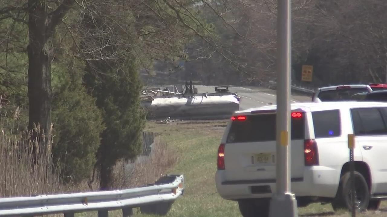 Tanker truck overturns, closes AC Expressway EB