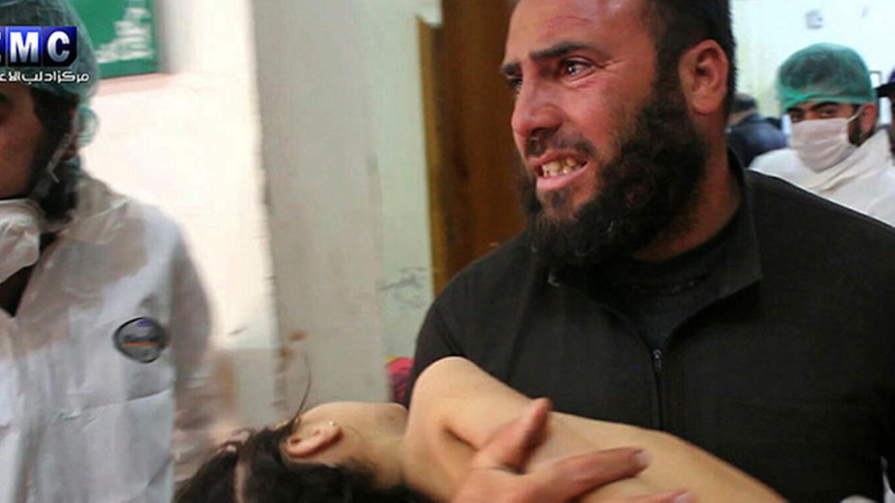 Suspected Syria gas attack kills dozens, including children
