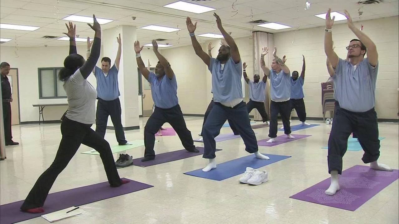 VIDEO: Yoga program helping prisoners practice mindfulness