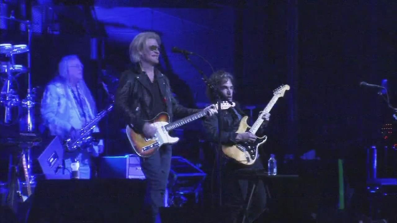 Hall and Oates rock Hoagie Nation