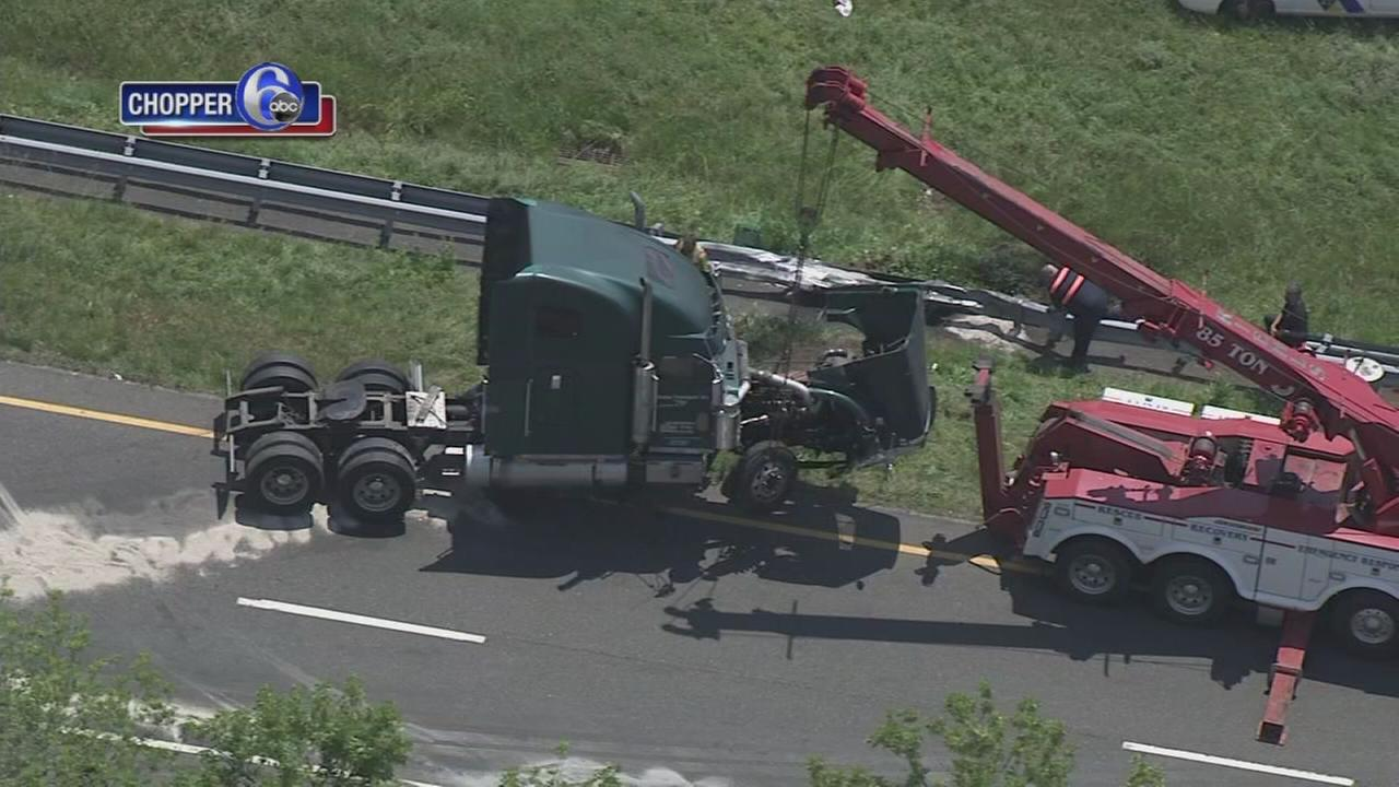 Truck crashes on I-295 in Gloucester County