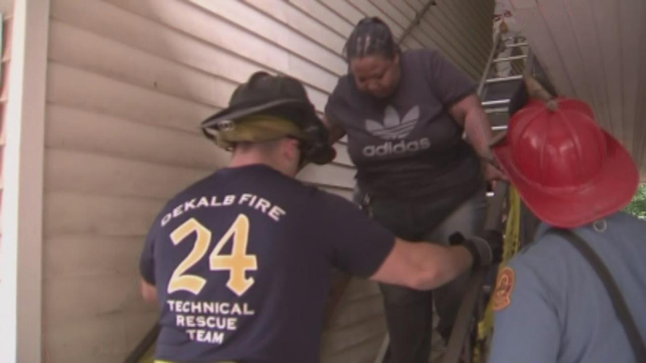 Residents rescued after stairs removed from apartment building