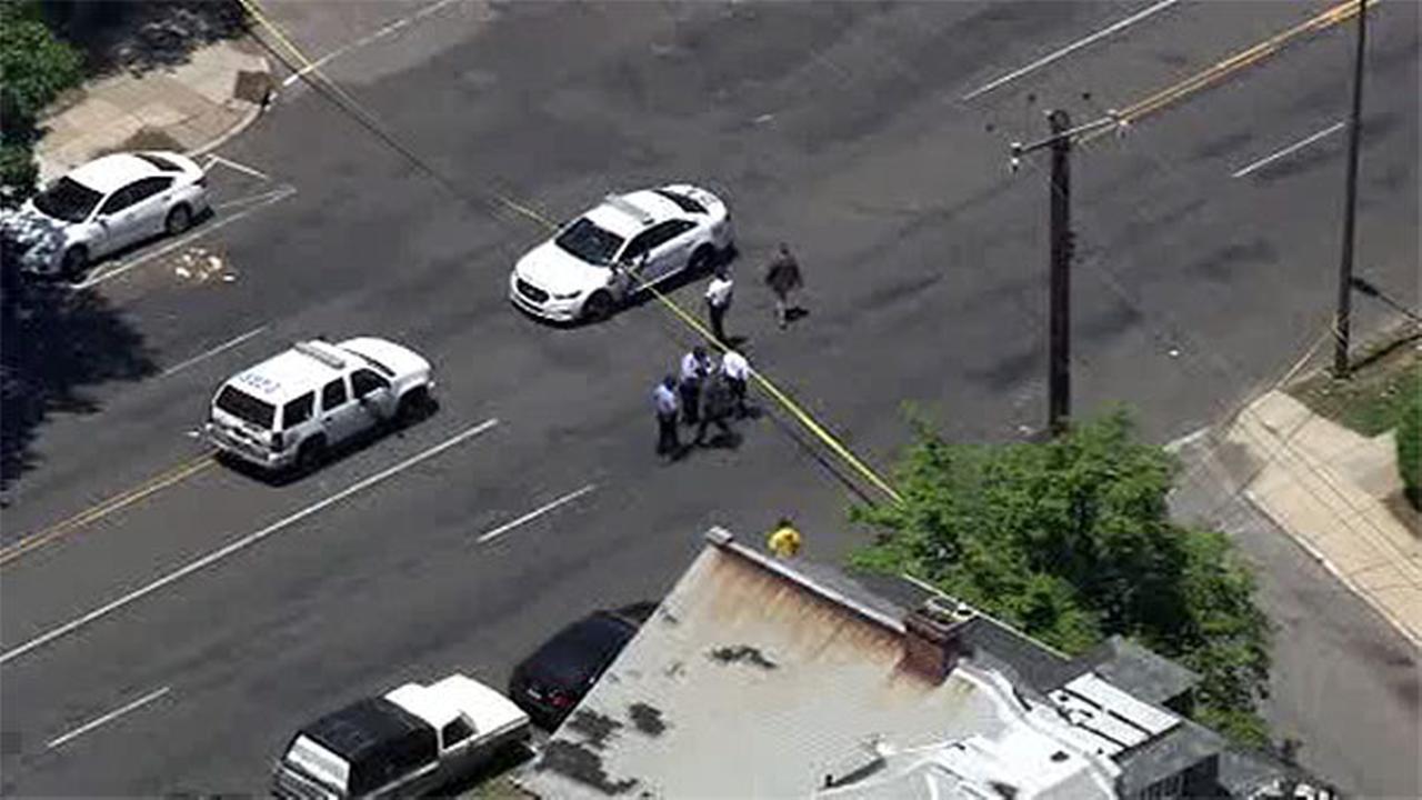 Man, woman shot in West Oak Lane
