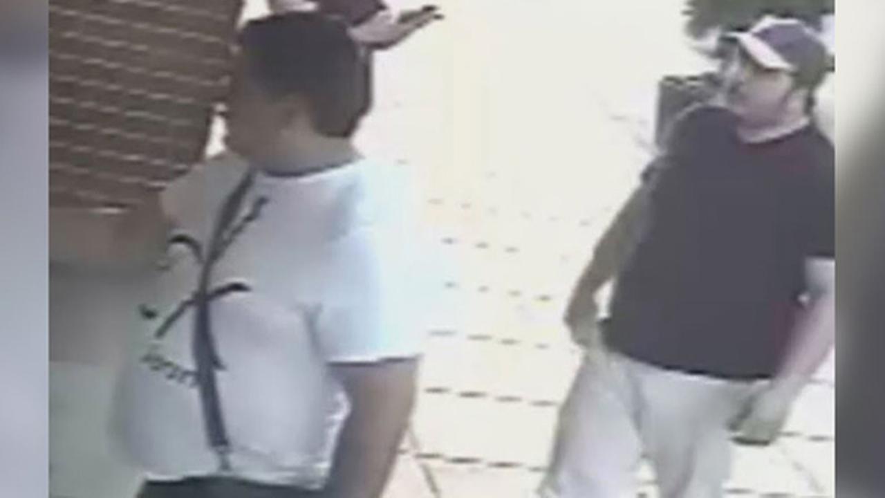 Suspects defraud South Philadelphia deli cashier of $700