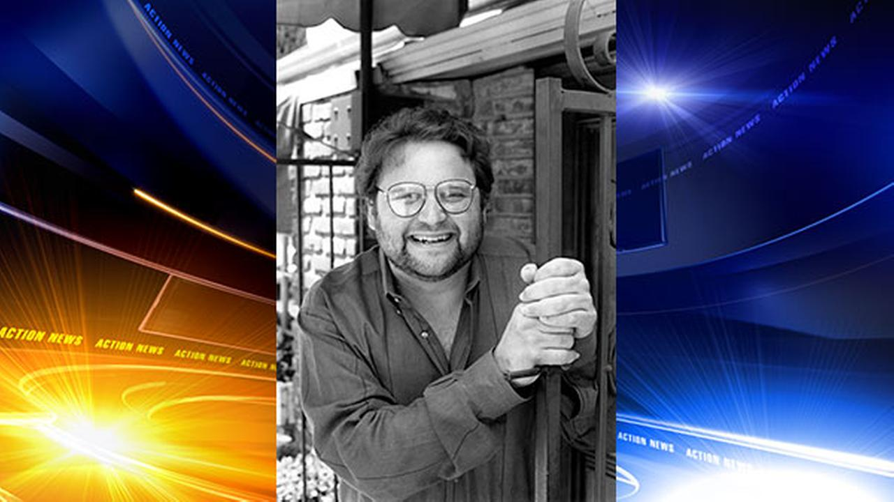In this May 1986 file photo, actor Stephen Furst poses for a photo in Los Angeles. Fursts family says the Animal House actor has died.  Furst died Friday at his home.