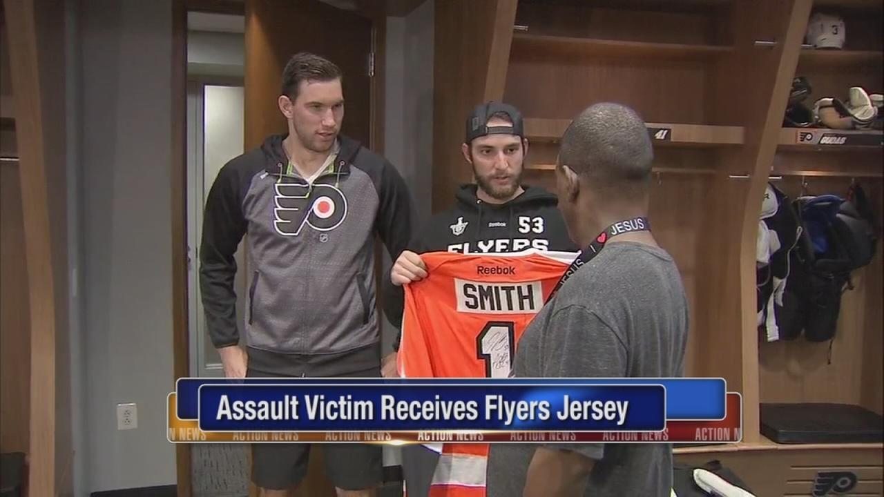 VIDEO: Assault victim receives Flyers jersey