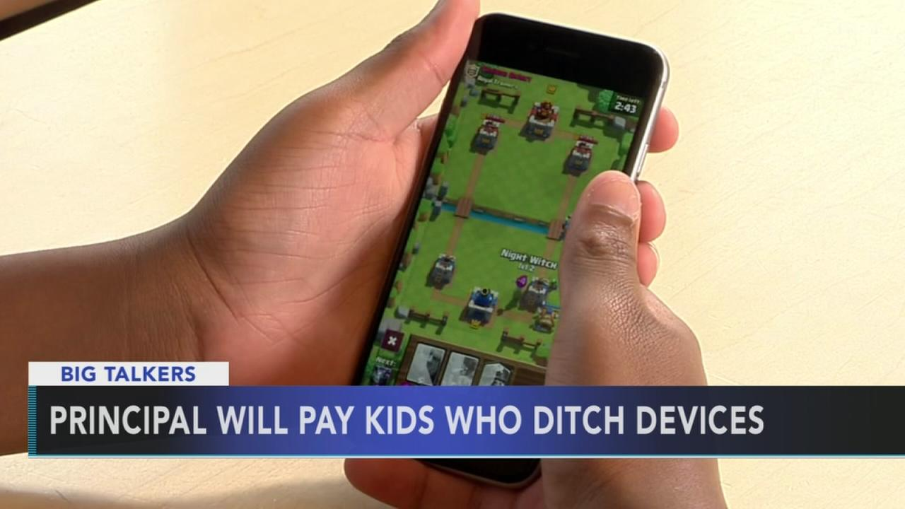 Principal offering students $100 to stay off devices this summer