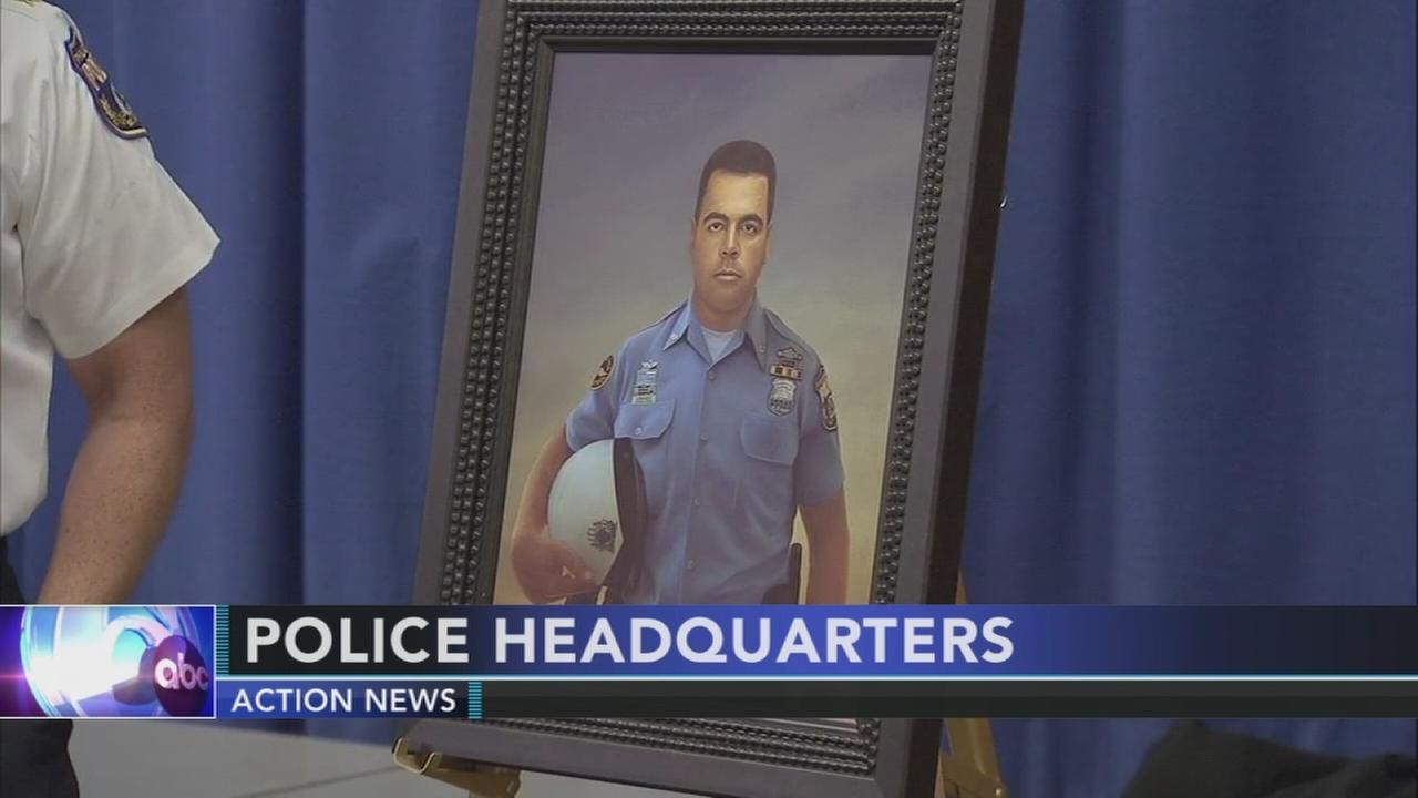 Fallen Philadelphia officer honored in portrait