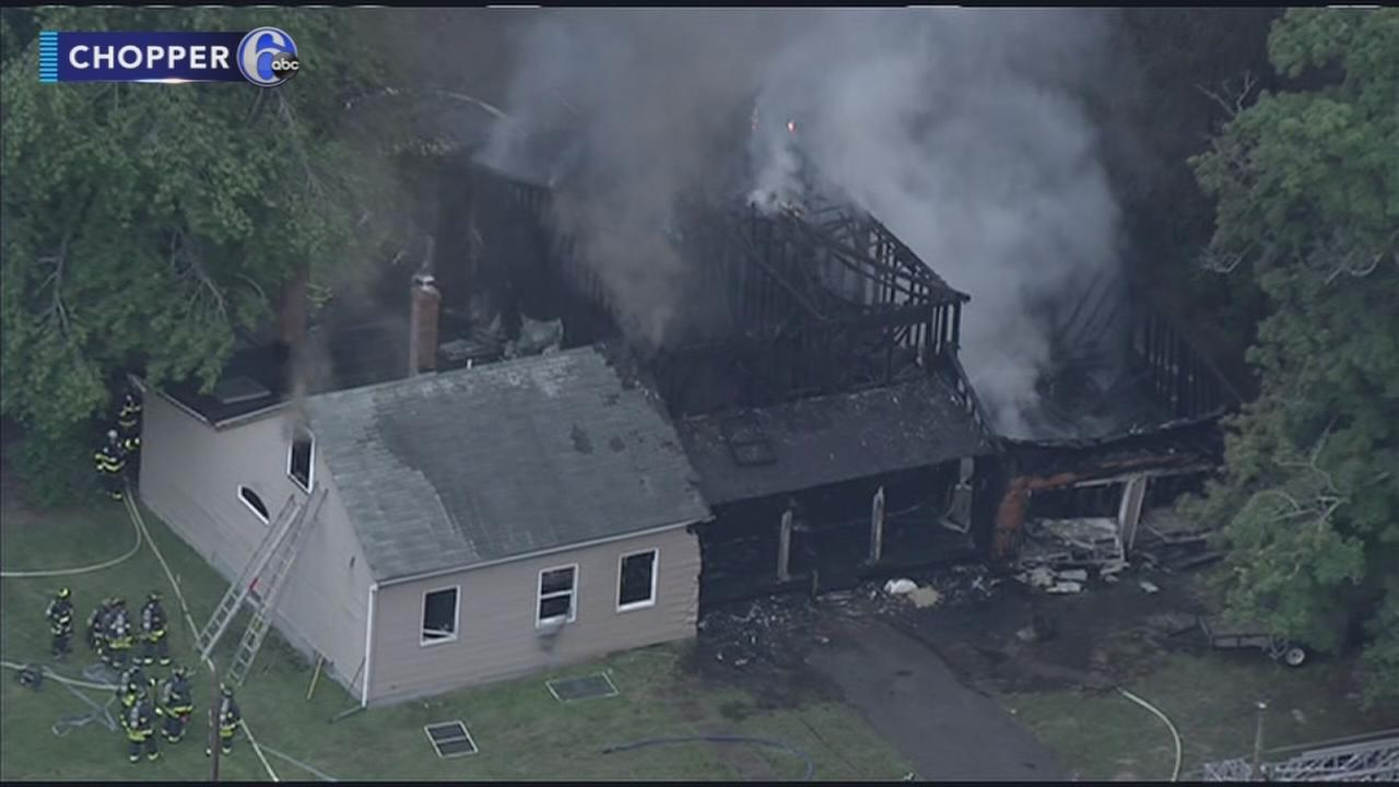 VIDEO: Fire causes extensive damage to home in Mercer Co.