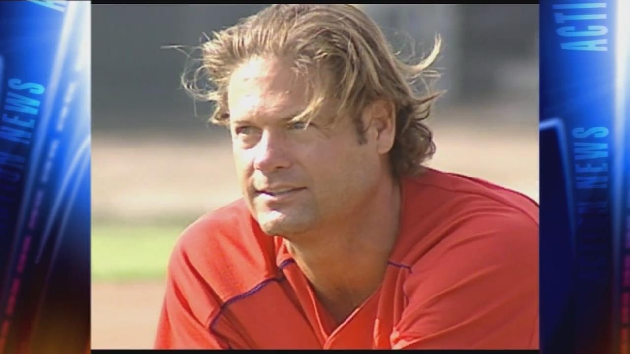 Legendary Phillies catcher Darren Daulton dies at 55