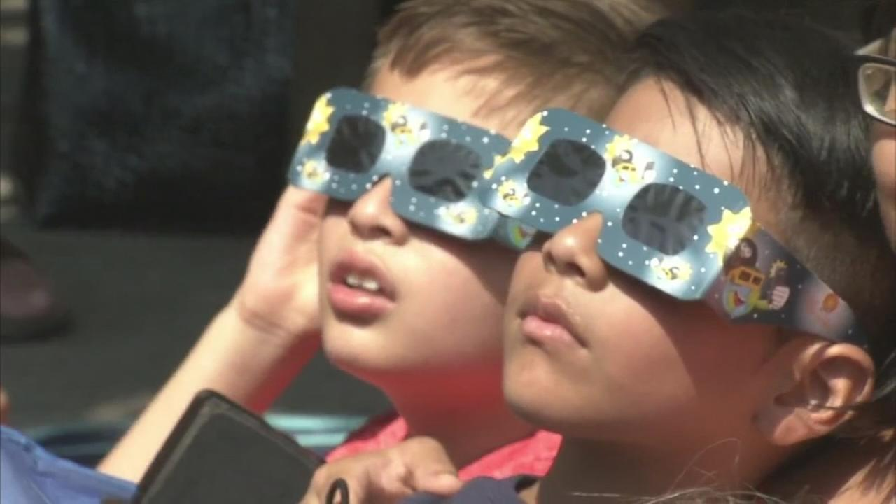 VIDEO: Thousands gather in Princeton for eclipse viewing