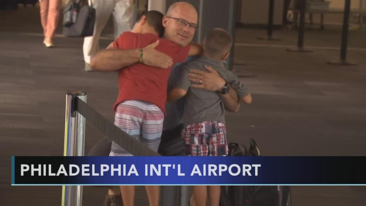 Family surprises local soldier returning from Kuwait