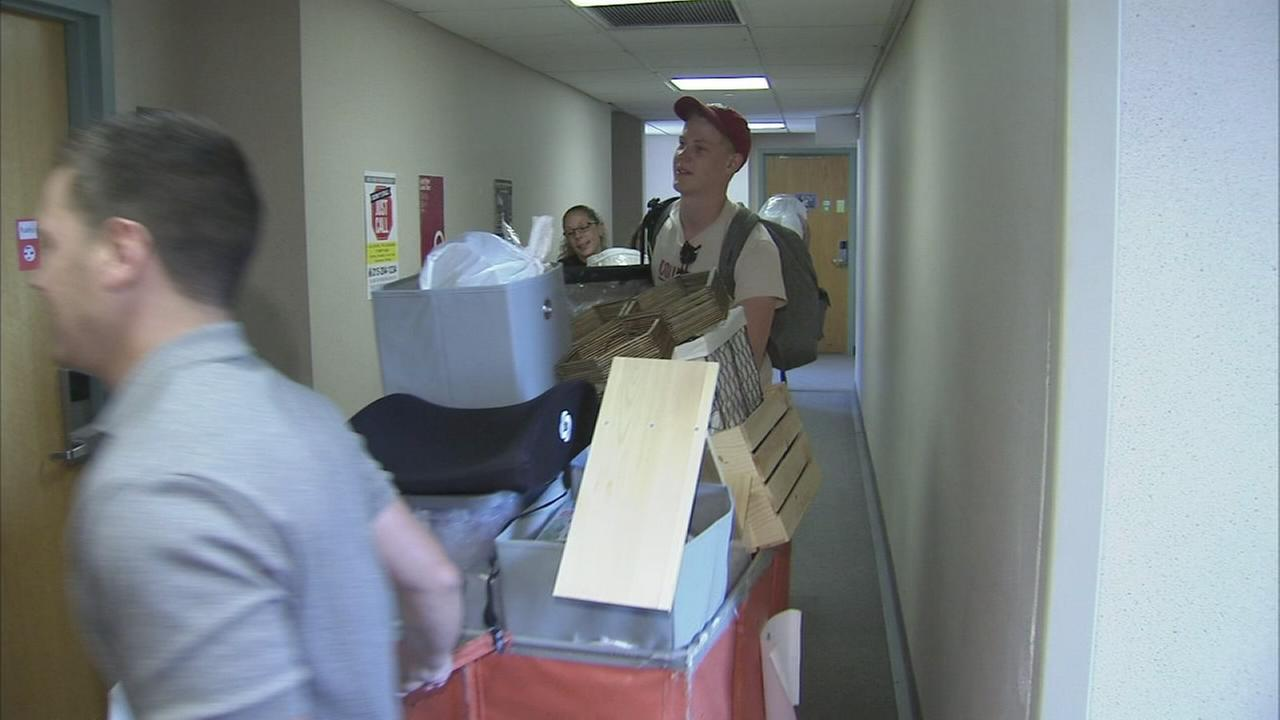 Move-in day at Temple Univ.