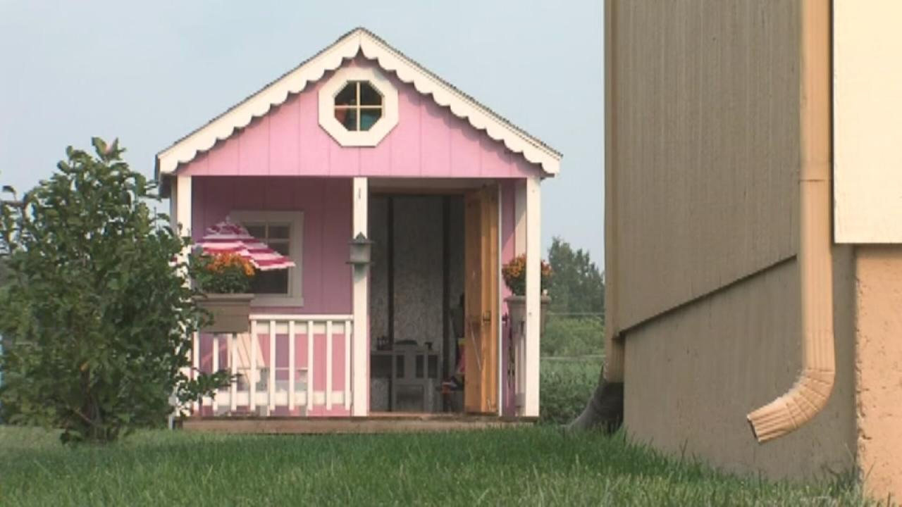 VIDEO: HOA bans sick childs pink house