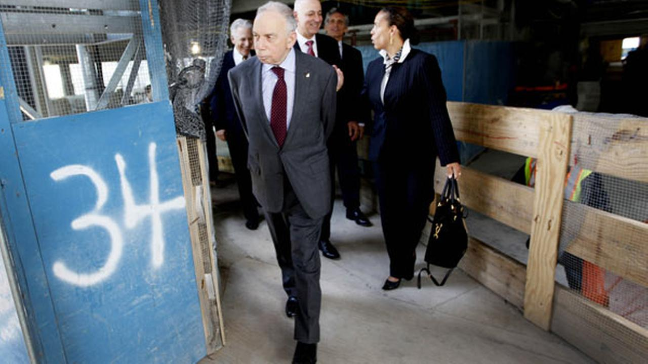 Conde Nast chairman, Si Newhouse Jr., leaves a news conference on the 34th floor of 1 World Trade Center, Wednesday, May 25, 2011 in New York.
