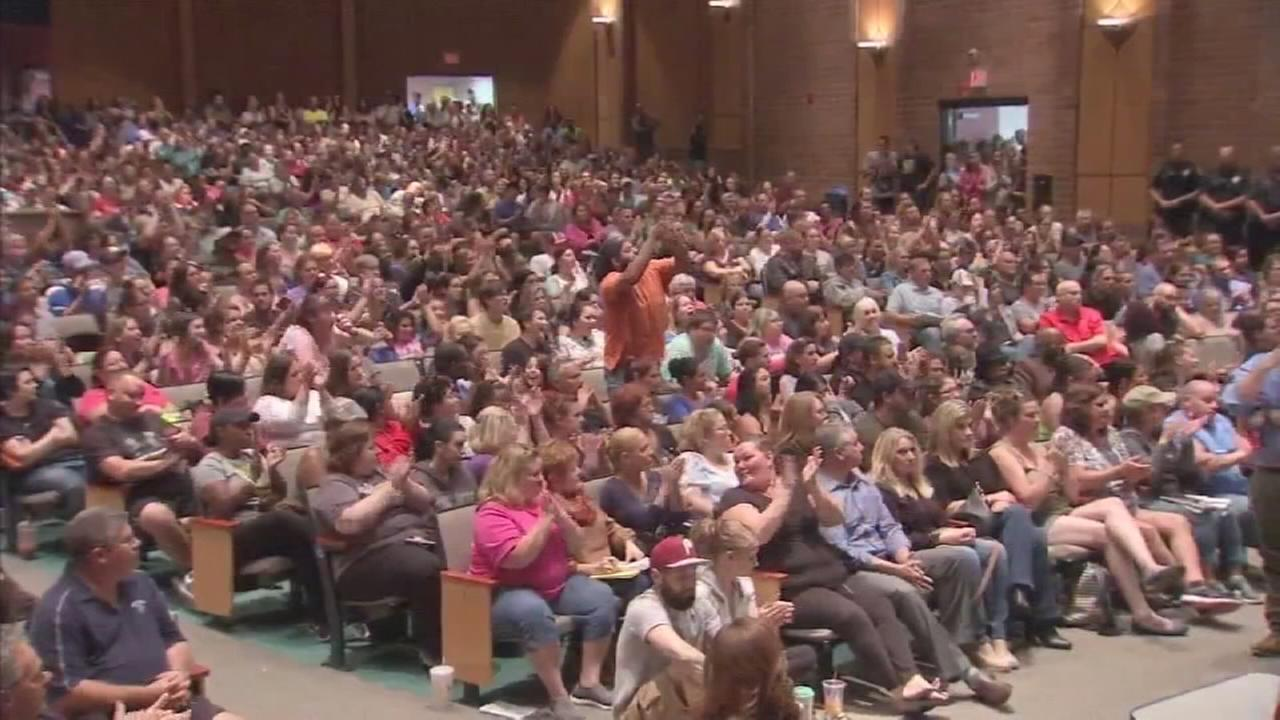 Parents attend meeting on mold found in schools