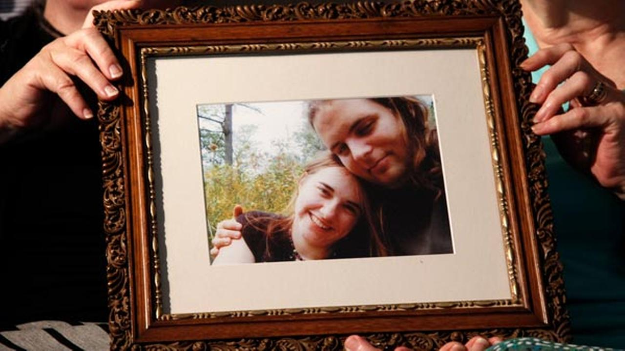 Mothers Linda Boyle, left and Lyn Coleman hold photo of their married children, Joshua Boyle and Caitlan Coleman, who were kidnapped by the Taliban in late 2012.