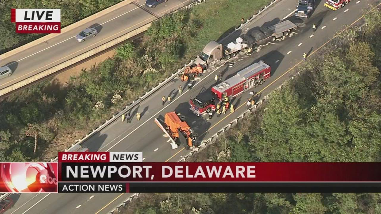 I-95 southbound in Delaware shut down after multi-vehicle crash