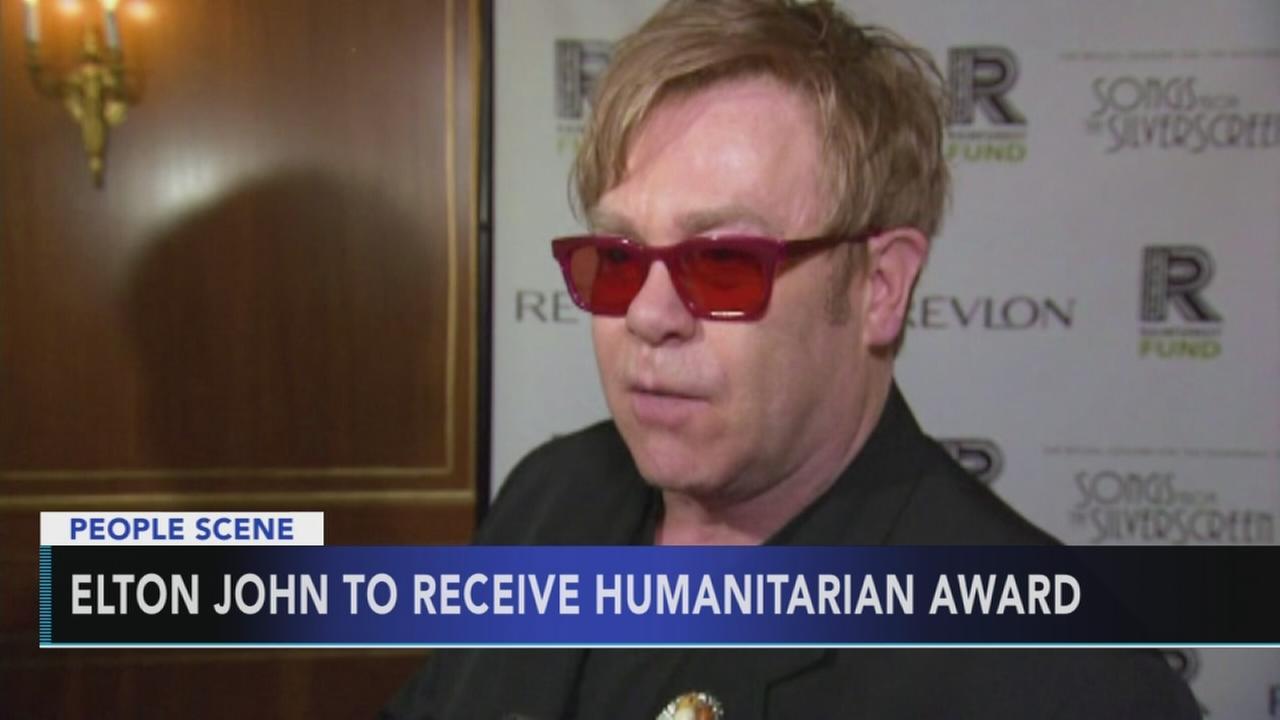 Elton John to receive humanitarian award