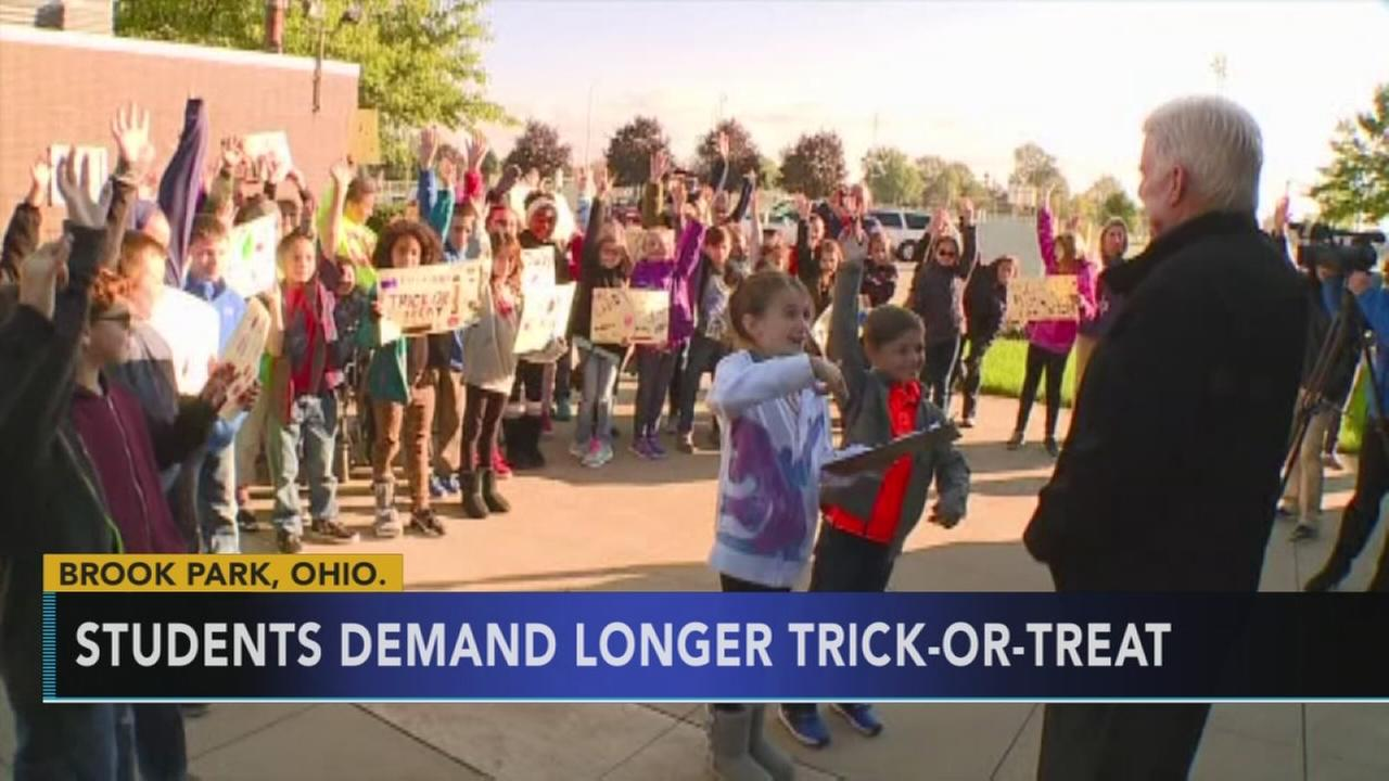 Students protest for longer trick-or-treat time