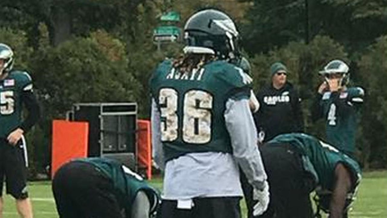 New Eagles Running Back Jay Ajayi Practices For the First Time