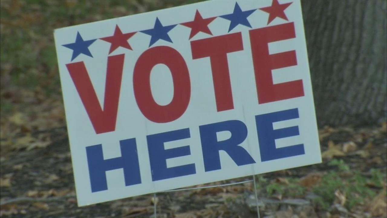 Polls open as New Jersey voters pick Christies replacement