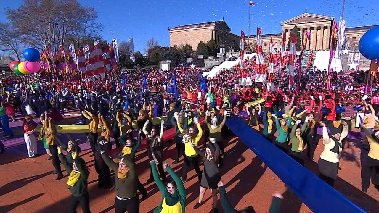 VIDEO: Opening sequence to the Thanksgiving Day Parade