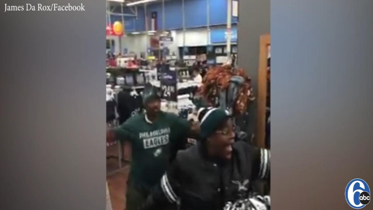 VIDEO: Eagles fans sing fight song in Texas Walmarts Cowboys section
