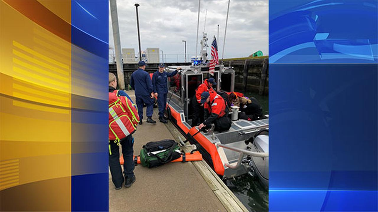 Coast Guard Atlantic City, N.J. crew rescues man off fishing vessel