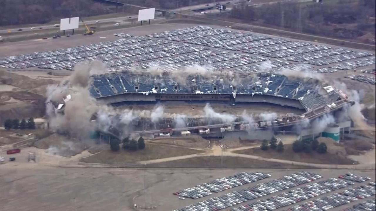RAW VIDEO: 2nd blast brings down upper section of Pontiac Silverdome