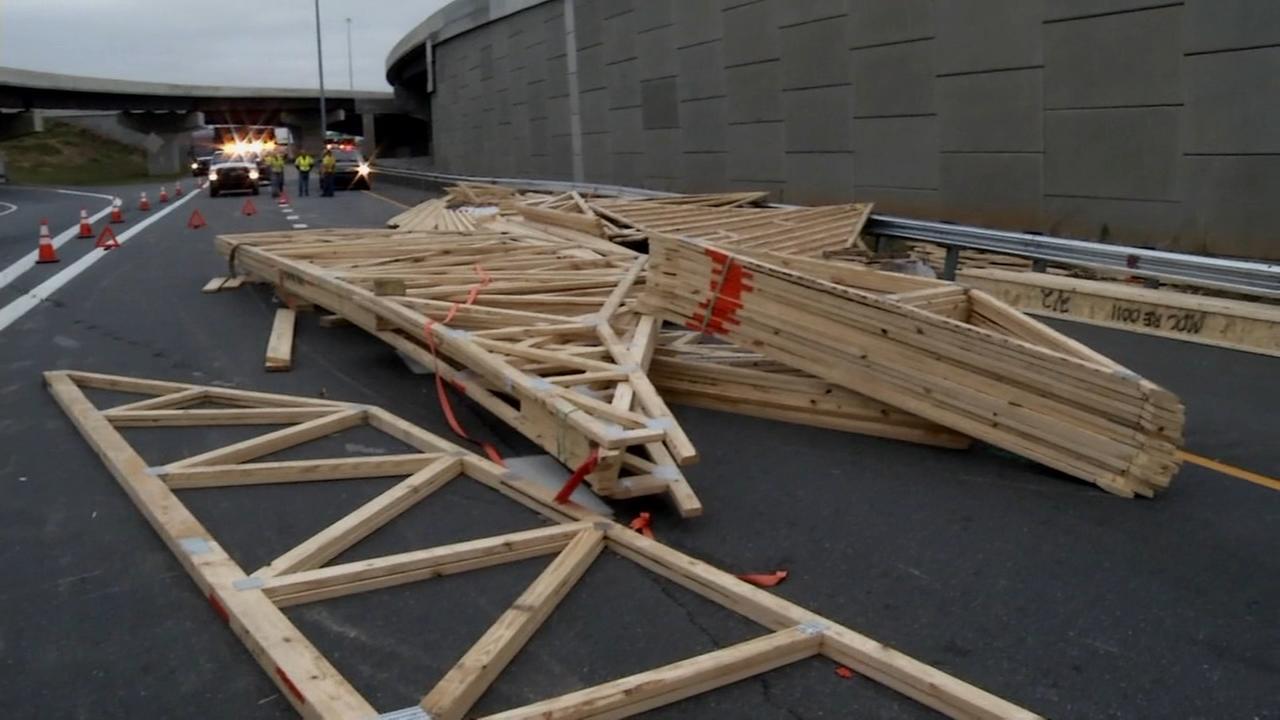 RAW VIDEO: Debris blocks Route 1 in Del.