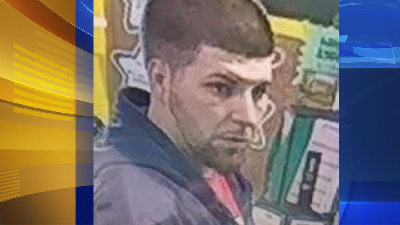 Suspect sought for Voorhees purse theft
