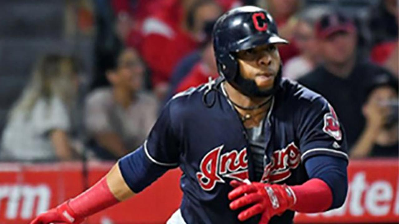 Carlos Santana agrees to 3-year, $60 million deal with Phillies